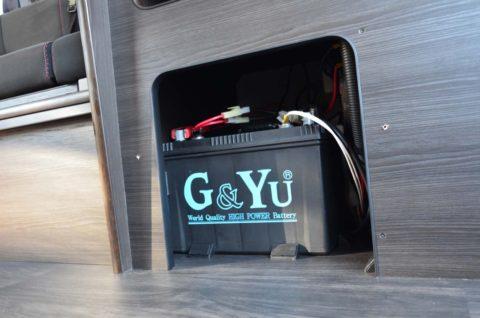 ■走行充電& サブバッテリー 一例 105Ahの容量タイプ  2個まで増設可能