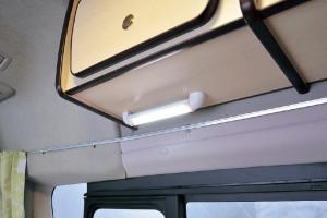 ■LED流し元灯 180°回転するので手元も バッチリ照らします。